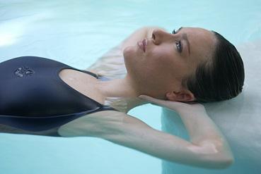 modelo en agua